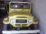 Photo Toyota Land Cruiser 1982 JEEP yellow color for...