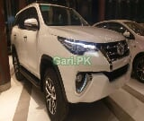 Photo Toyota Fortuner 2.7 VVTi 2013 for Sale in Karachi